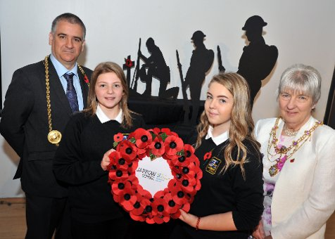 Mayor Joins Students to Remember the Fallen